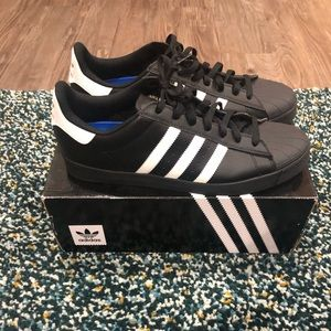 Adidas Shell Toe Superstars